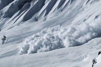Niakolko lavini zatrupaha hora