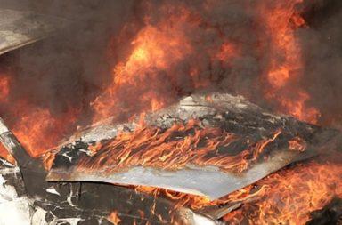 Kola izgoria kato fakla