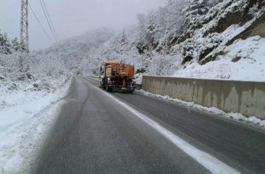 Uslojnena meteorologichna obstanovka pochti zatvori bulgarska granitsa