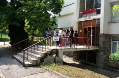 Ministar Ananiev ne diode pri iadosnite sestri vav vrachanskata bolnitsa