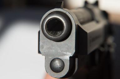 zaplaha s pistolet